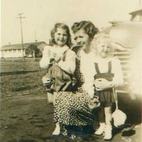 Patricia Eileen Bartlett, Mary Leonora Aulin Bartlett, and Alice Irene Bartlett